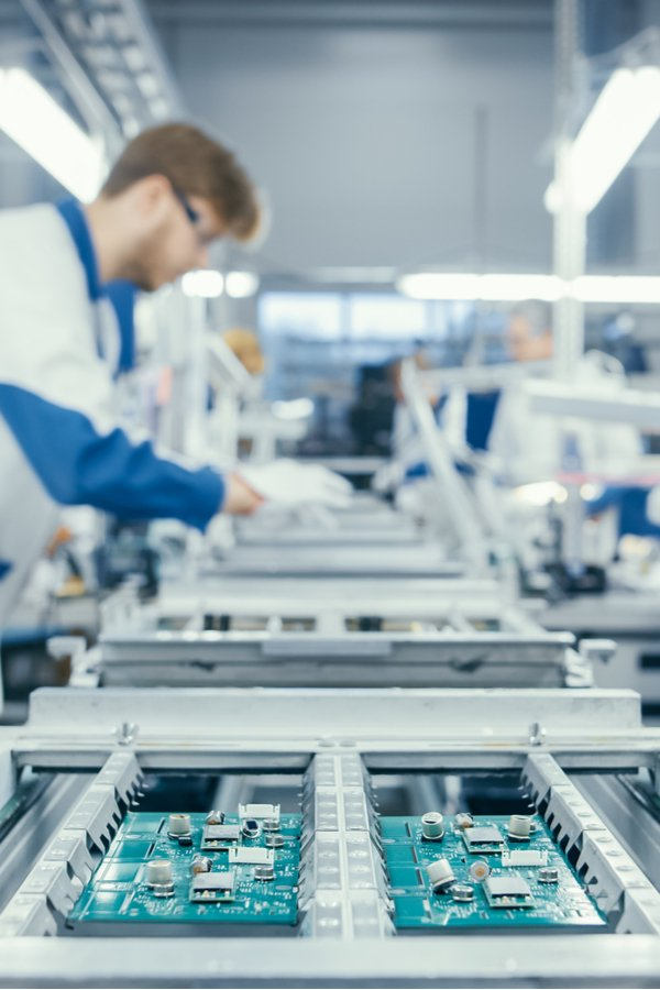 Manufacturing operations consulting for life science